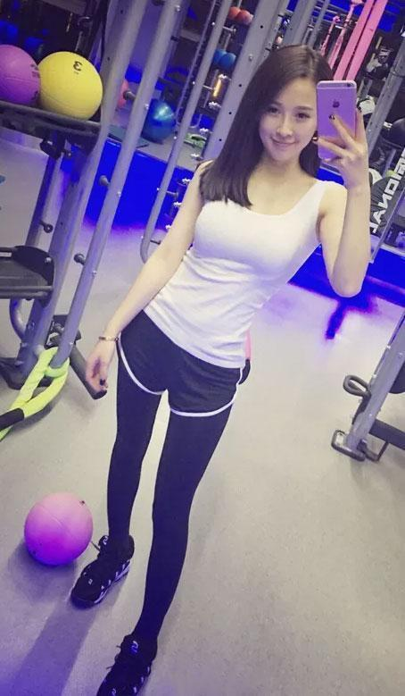 30岁喜欢运动的美女 身材好的如少女