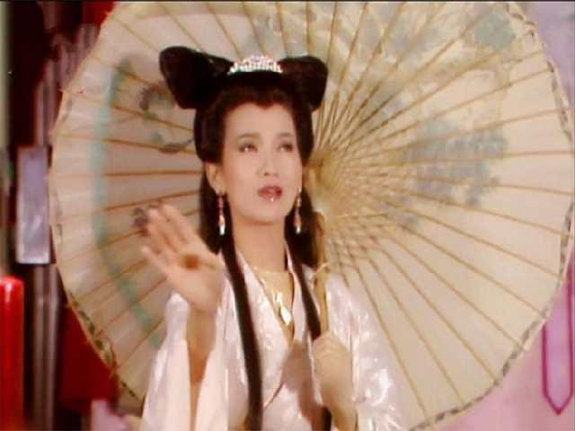 古装剧撑伞美女, 赵雅芝西湖畔撑伞美上天, 刘亦菲霸气侧漏!