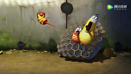 爆笑虫子利用诡计骗走蜜蜂,偷吃蜂蜜,终于受到了惩罚