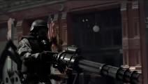变异蜘蛛爬满街头,美军用加特林扫射