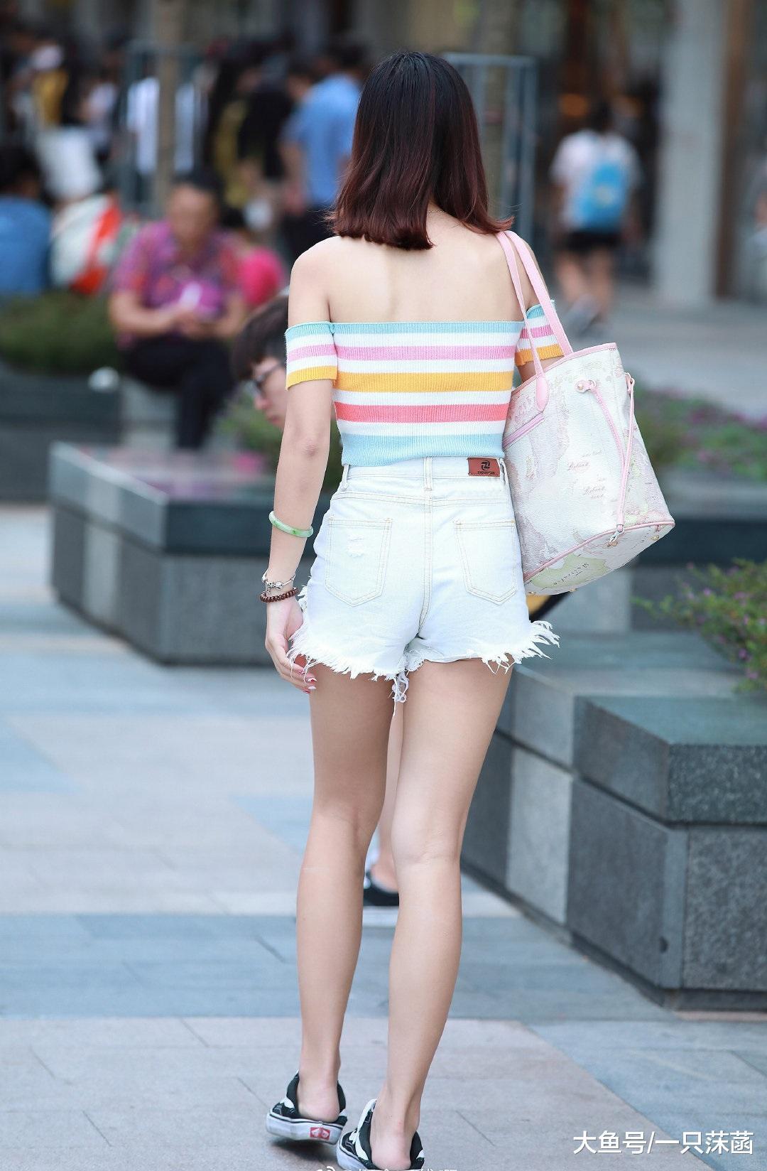 如果没有短裤,你还会喜欢她吗?
