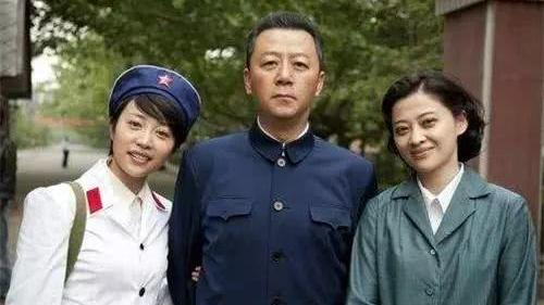 父母爱情: 江德福安杰有5个孩子, 为何单独留亚菲留在身边