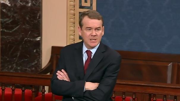 美议员发飙: 中国都登陆月背了, 美国政府还在关门