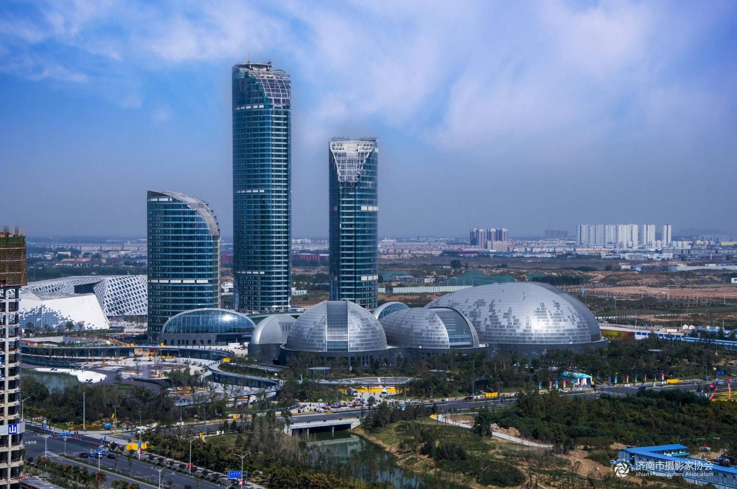 山东每个城市地标建筑,济南泉城广场,烟台蓬莱阁