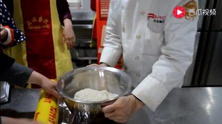 学做早餐: 8分钟学会豆腐脑和油条的做法