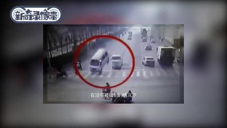 离奇车祸!四辆车被灵异力量抬起导致互撞翻车,现场惨烈!