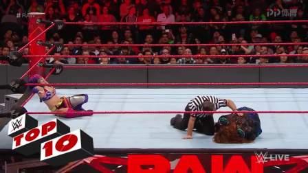 WWE-18年-RAW十佳镜头: 斯特劳曼蹂虐无辜解说员