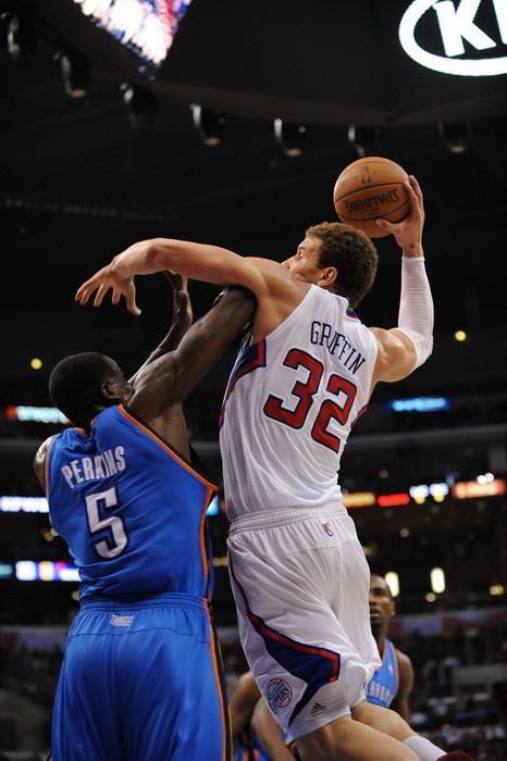 NBA经典骑扣, 科比骑扣魔兽霍华德, 扣篮王卡特飞跃法国中锋图片