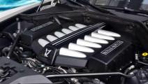 劳斯莱斯的V12发动机到底有多牛?启动后放一枚硬币在上面看看