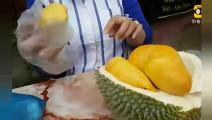 这个榴莲成色很好,果肉很大,看得让人流口水