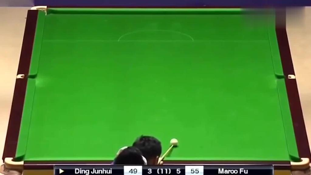 黑八绝胜负!丁俊晖和对手连续打了11杆黑球,观众都看不下去
