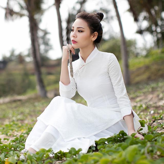 """姑娘不要穿韩版了, """"改良汉服""""才是17年的流行趋势, 优雅大方 4"""