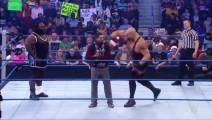 WWE狂怒-跳起来的飞拳,这一拳飞到你脸上!估计三月不敢出门!