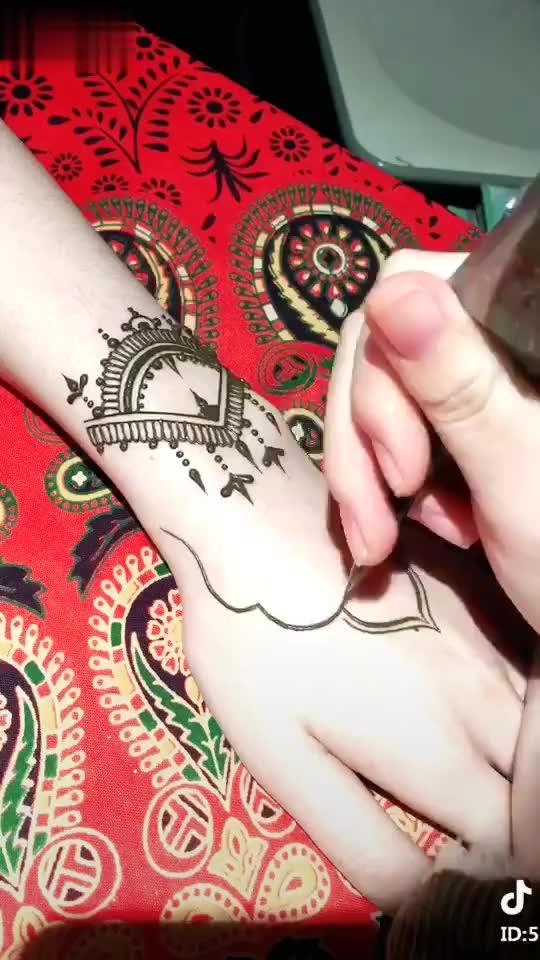 【花苞】印度中级海娜手绘纹身设计