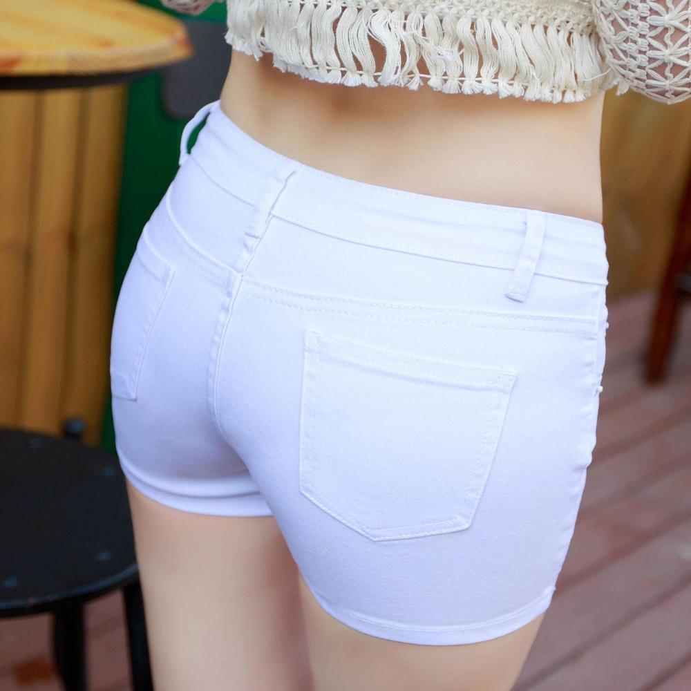 时尚短裤怎么搭配, 才能吸引他的目光