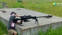 这么小的孩子射击50BMG狙击步枪,后坐力这么大,家长不担心啊