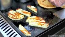 伦敦街头美食-来自希腊的哈罗米干酪和鸡肉串