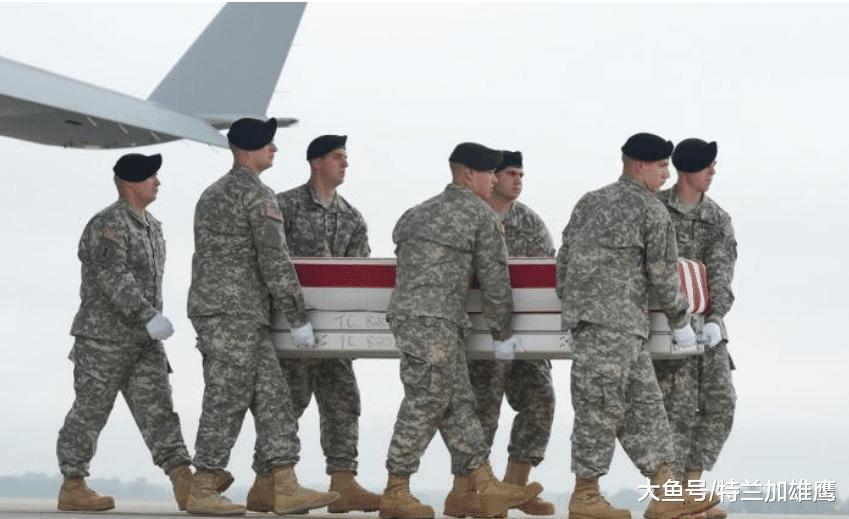 10万美军阵亡, 遗体无处安葬, 上将直言: 美国将被拖垮(图3)