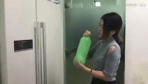 办公室小野: 在办公室自制水果冰沙!天气太热,我把碗也吃了!