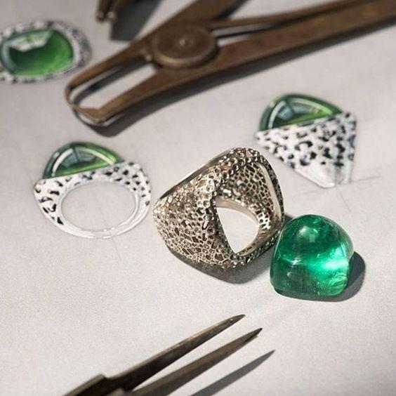 但这些国内外的珠宝设计手绘图美