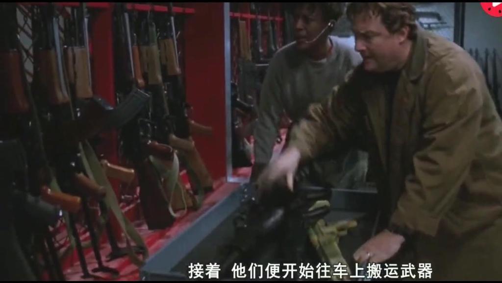 机械战警大战日本武士机器人,场面震撼的科幻电影《机械战警3》