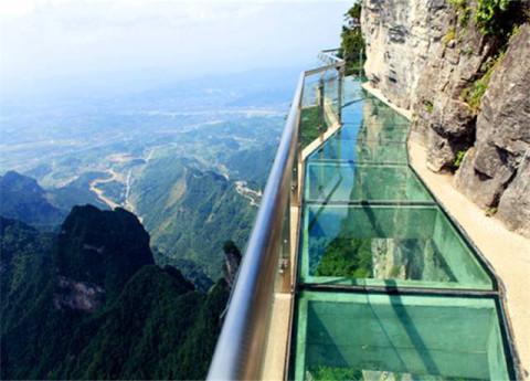 好消息, 安庆巨石山玻璃观景台国庆节与大家见面!