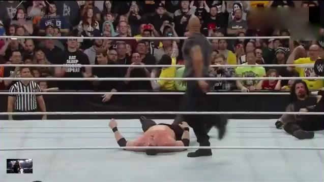 WWE巨石强森出手相助罗曼,HHH大公主夫妇敢怒敢言