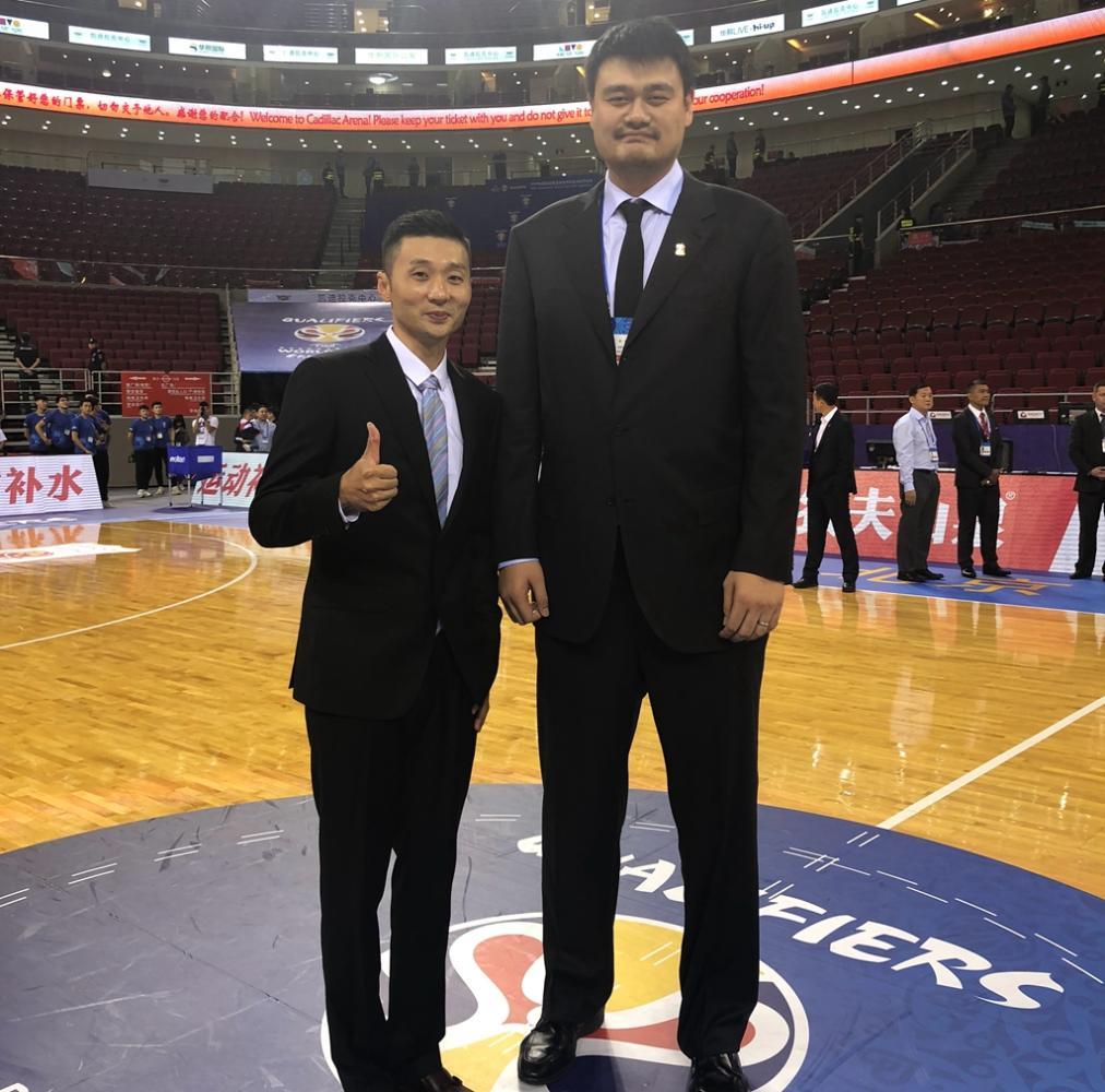 与上海男篮签下长约! 球员合同只有1年, 场均7.1分不输年轻球员(图6)