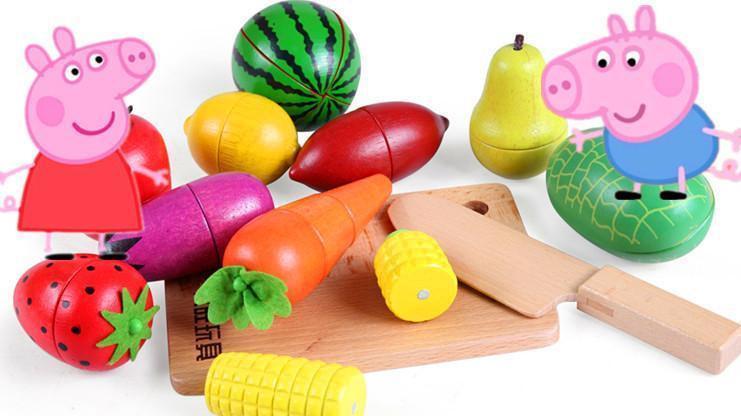 猪爸爸给佩佩猪用彩泥手工制作各种水果玩具 粉红猪小妹好开心呀