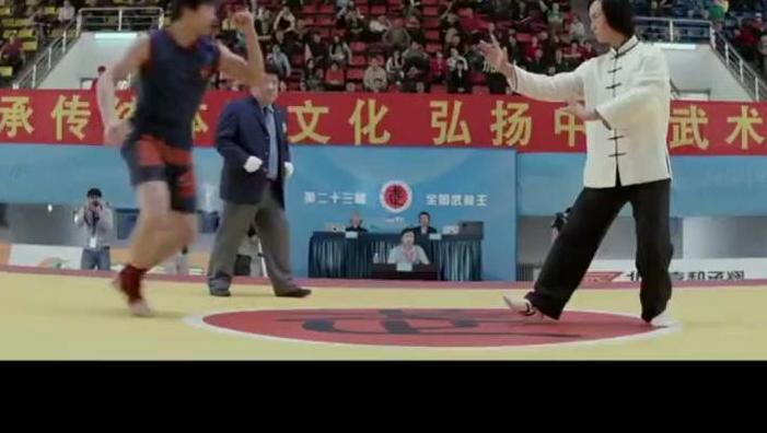 是谁?谁说太极拳只能健身不能实战?你给我站出来!你看看太极拳怎么VS散打冠军的!