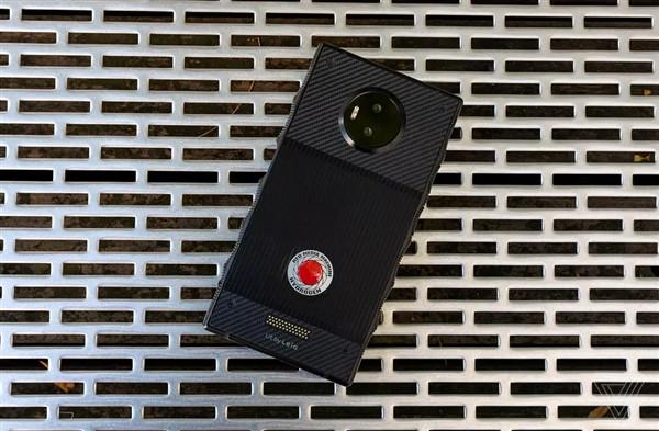 美国相机公司Red退出手机市场 抱怨中国代工厂不给力