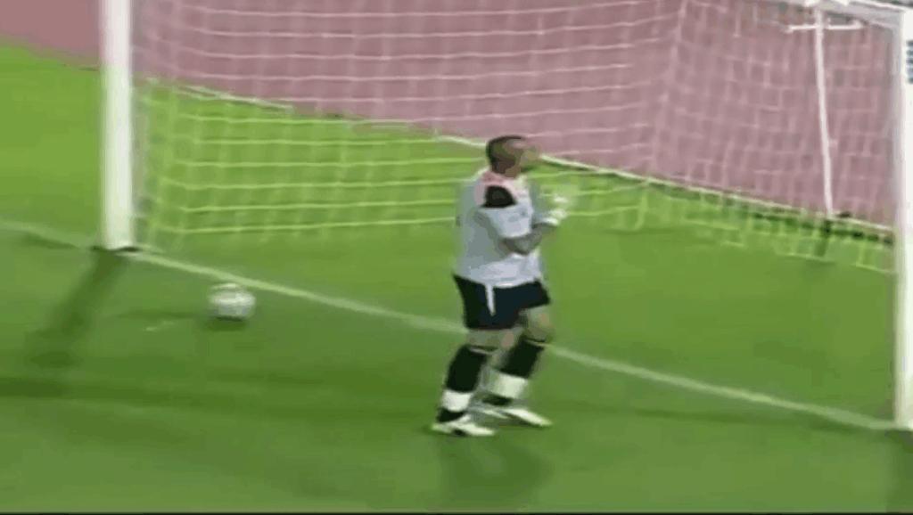 足球史上最让人无语的10个守门员!最后的中国门将果然没让我失望