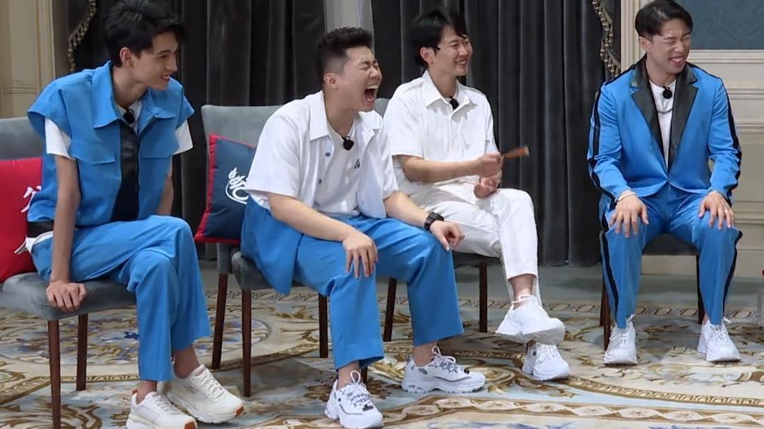 欺师灭祖警告!德云社刘筱亭打脸师父岳云鹏,节目中丝毫不留情面