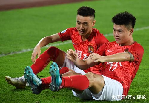 同样的一批年轻人, 是恒大足球让这帮小伙子踢出不一样的比赛?(图3)