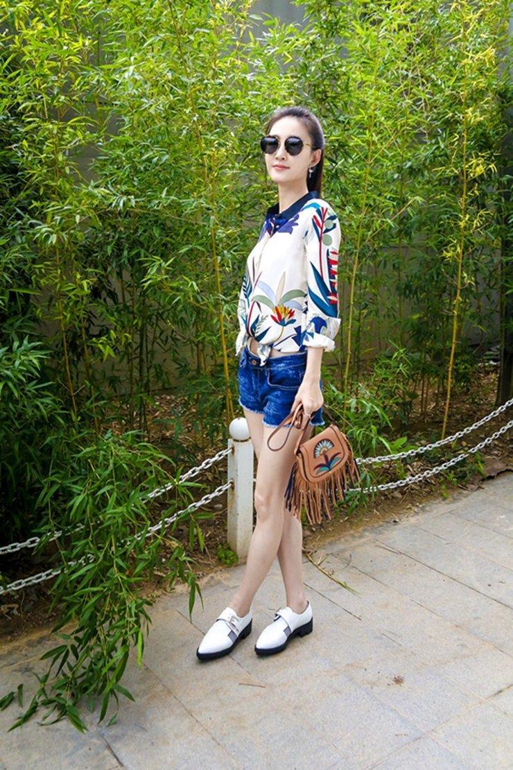 王丽坤的一组照片, 被称为: 素颜女神!