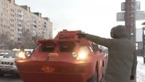 全球最彪悍的出租车,用装甲车改造,能合法上路,560一趟你坐吗