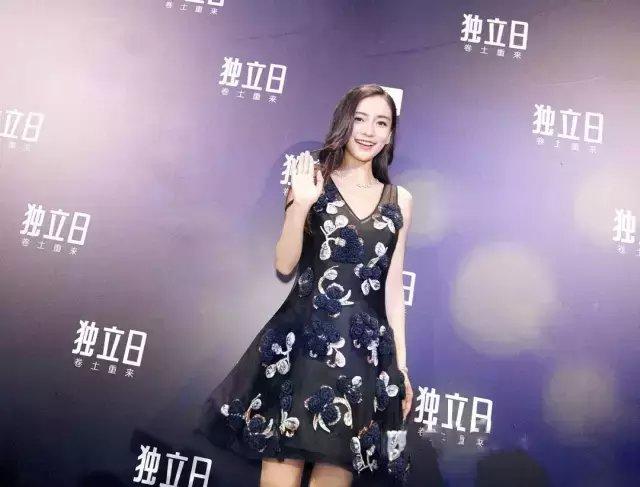 今夏仙气十足的纱裙才是主流, 因为显瘦 23