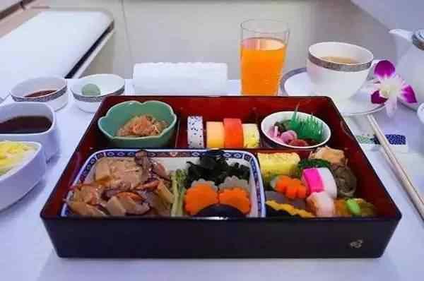 全球各大航空公司飞机餐, 看到全日空有种熟悉的感觉!