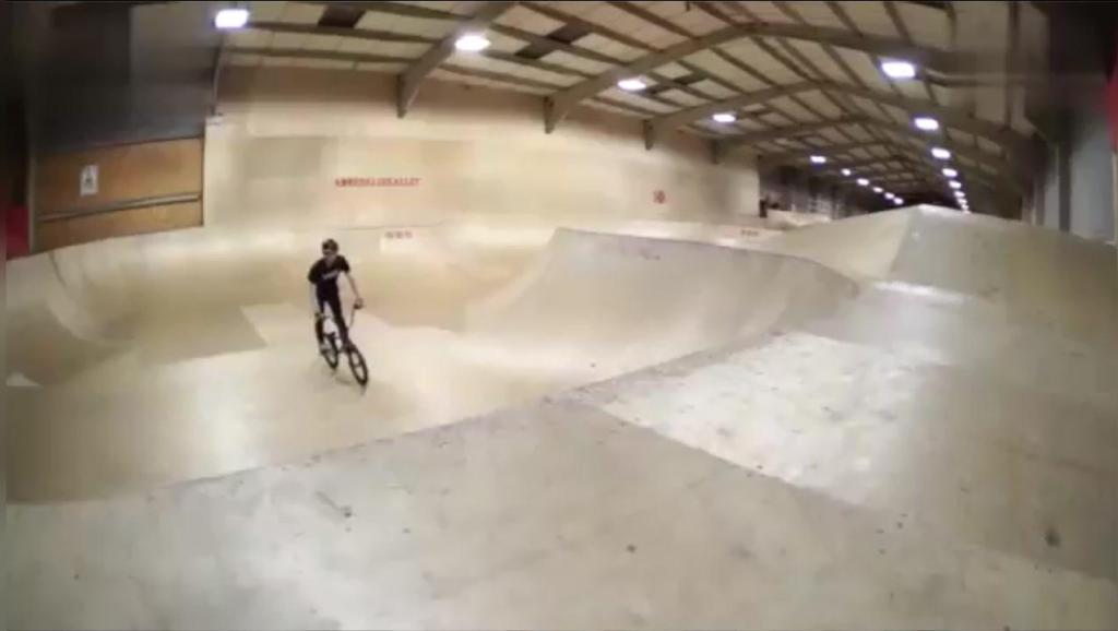 极限运动: 自行车跑酷