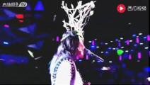 著名歌手谭维维参加蒙面歌王,一开口全场都惊艳了《蓝莲花》一首