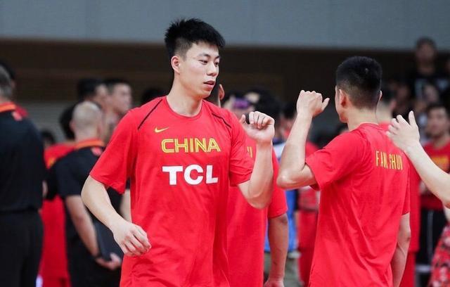 3大NCAA锋线, 旅美3星内线, U19大杀器? 中国男篮的未来在这!(图6)