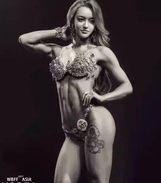 韩国小胖妹变身肌肉美女, 蜂腰翘臀性感完胜欧美大妞!
