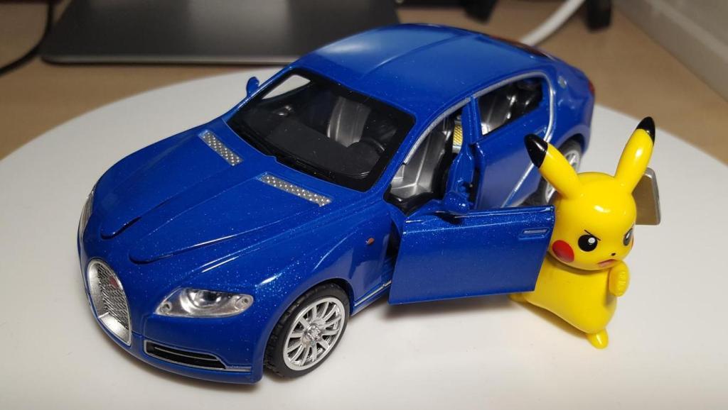 东知聊车【528】合金回力玩具车之布加迪四门概念车Galibier