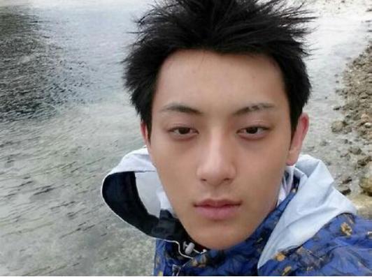 给男明星一盆卸妆水, 吴亦凡黄子韬王俊凯可能还没有你家老公帅!