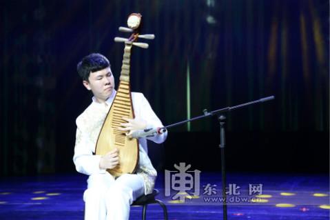 《我爱你中国》获得二等奖,笛子独奏《大漠》,琵琶独奏《十面埋伏》和