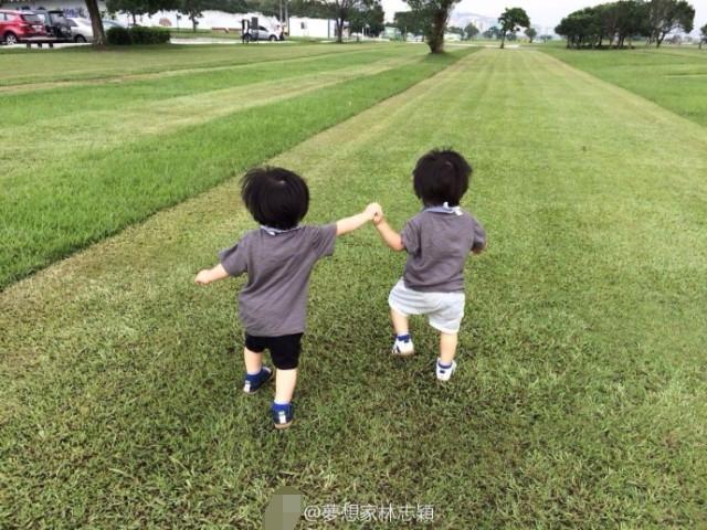 推荐 正文  林志颖和太太陈若仪相爱多年,并育有三个可爱的宝贝儿子.