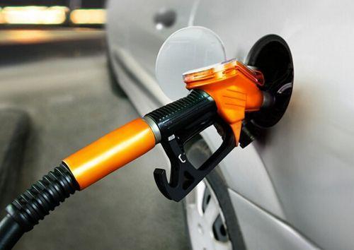 宝马M4保时捷奥迪都加92油,车主这么作,加油站表示看不懂了