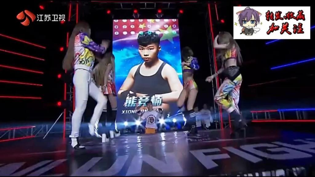 综合格斗世界冠军遭中国姑娘2分钟暴打KO重击头部几十拳KO