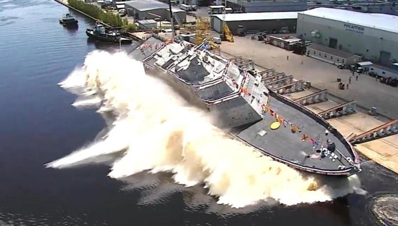 空中看美国军舰侧滑入水 这种方法很少有国家敢用