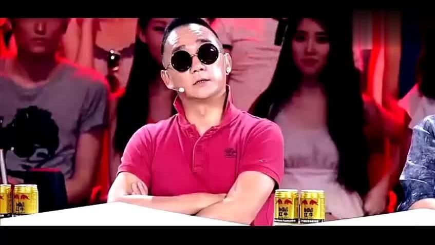 张韶涵遭金武林怒对 调侃《隐形的翅膀》是小孩唱的歌 不上台面